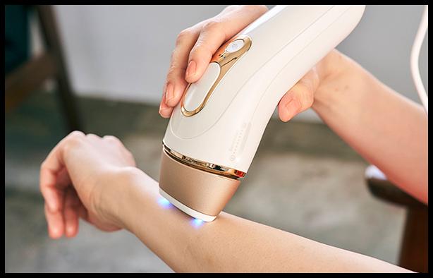 部位によって肌色に合わせてフラッシュ量を自動で調節してくれます。