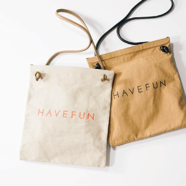 HAVEFUNのロゴショルダーバッグ